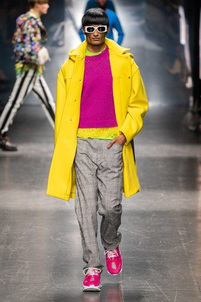 684585c34f4 Versace Fall 2019 Menswear Fashion Show in 2019