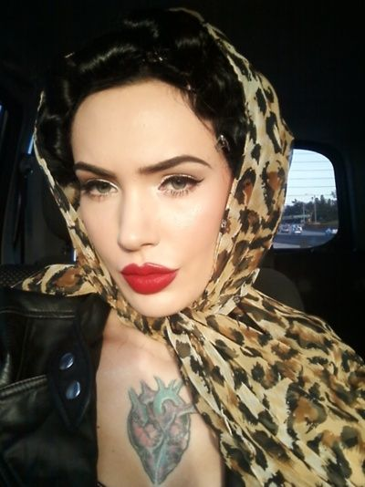Pin Up Makeup ideas, friggin love this scarf and lipstick