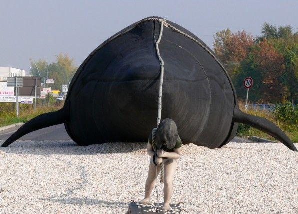 Faenza, Gaia e la Balena Balena, Viaggi, Pazzi