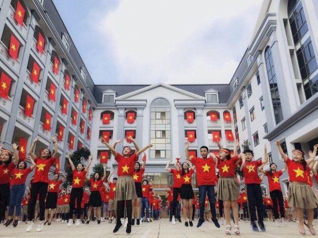 Áo cờ đỏ sao vàng trường Tiểu học - THCS FPT - Hình 2