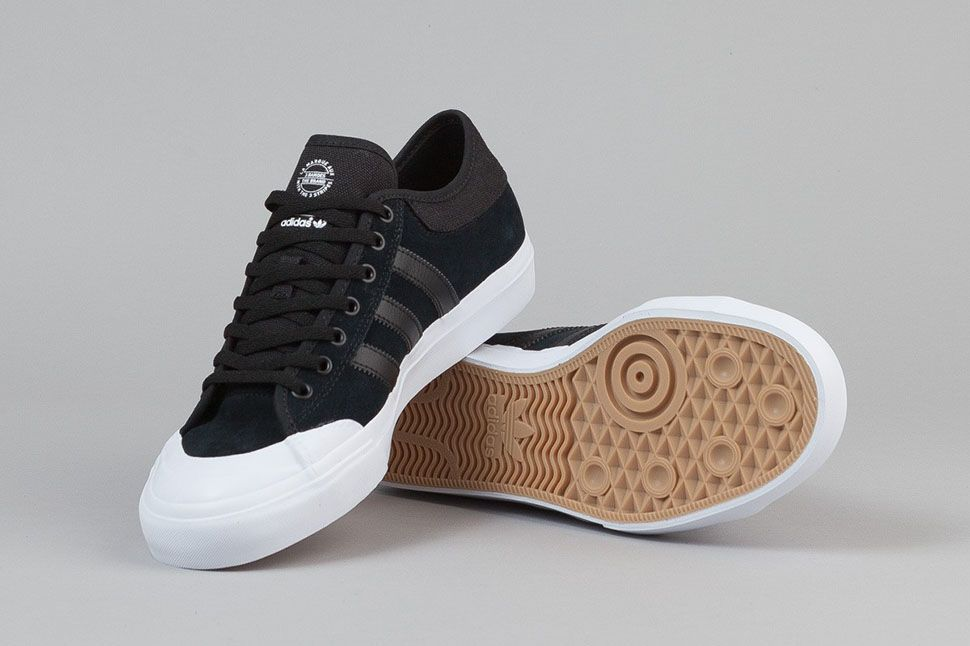 Dificil sarcoma claridad  adidas Skateboarding Matchcourt Low Black White - Sneaker Bar Detroit |  Adidas outfit shoes, Adidas skateboarding, Adidas white sneakers