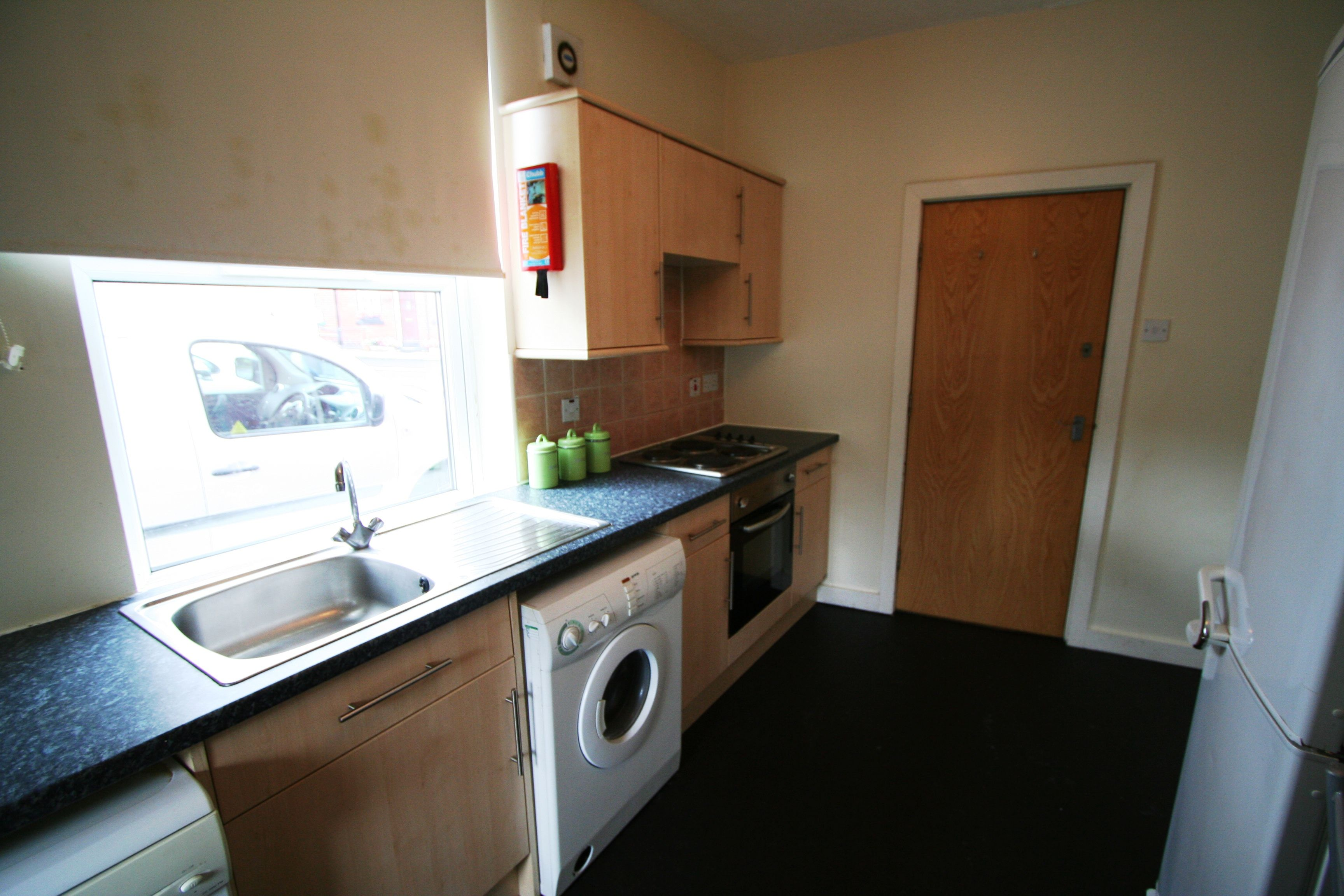 2 Monkbridge Terrace Kitchen Student