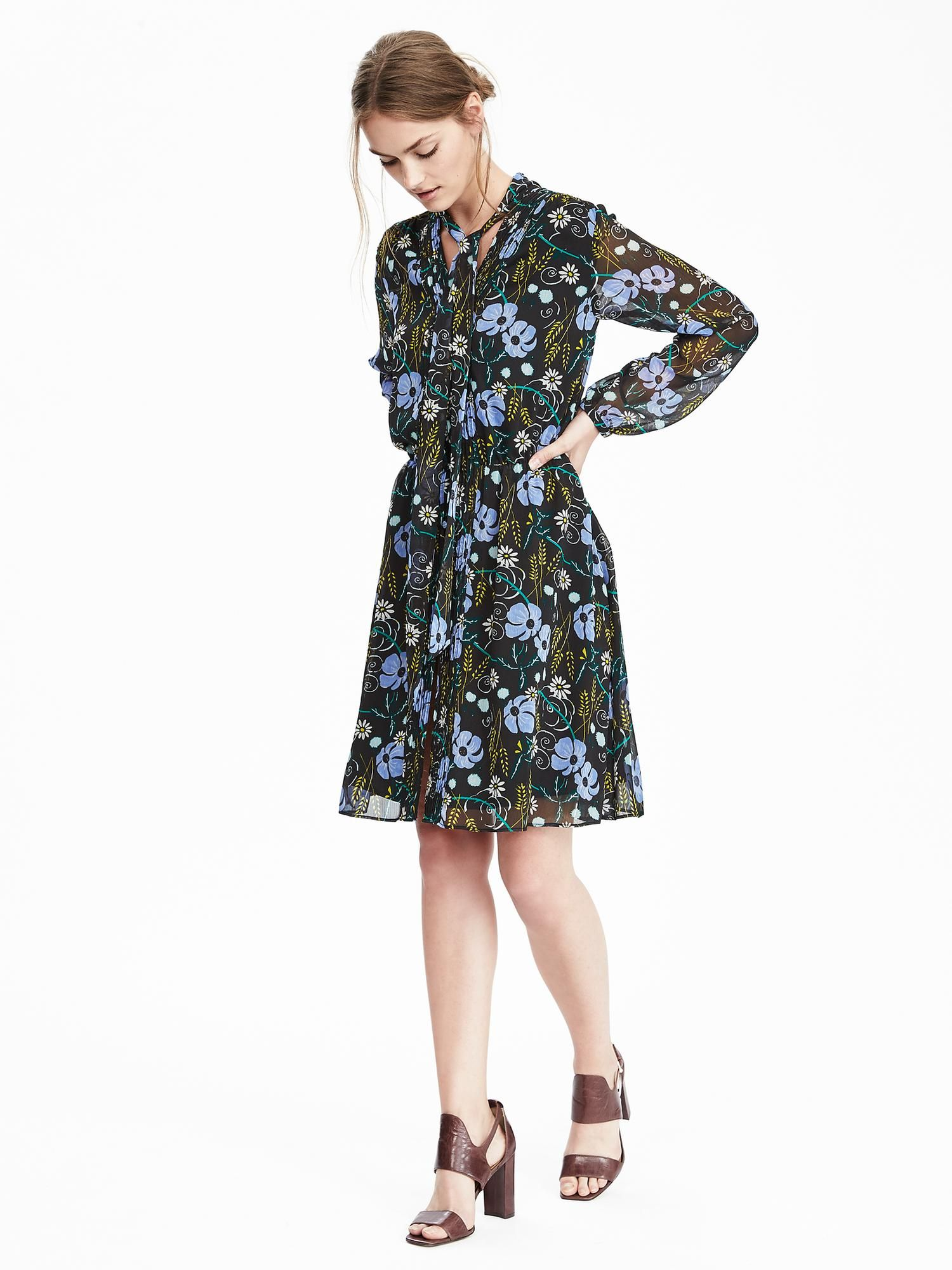 0e78a4221 Floral Tie-Neck Dress | Banana Republic | My Style | Dresses ...