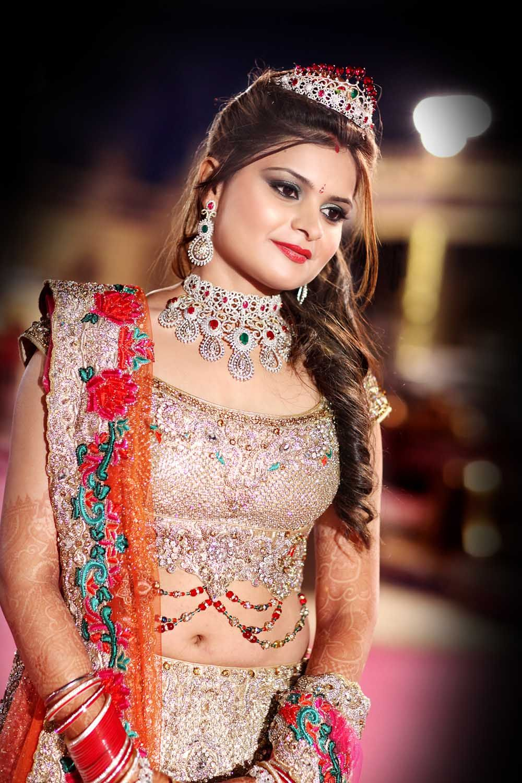 Krushhhbykonica offers best bridal makeup - www.krushhhbykonica.com