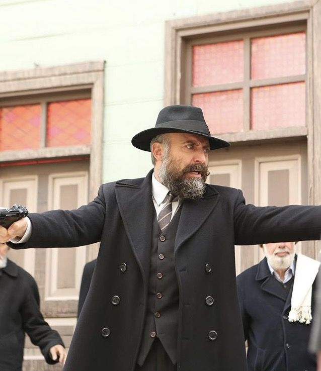 Halit Ergenc Vatanim Sensin Sherlock Doctor Who Turkish Actors Turkish Film
