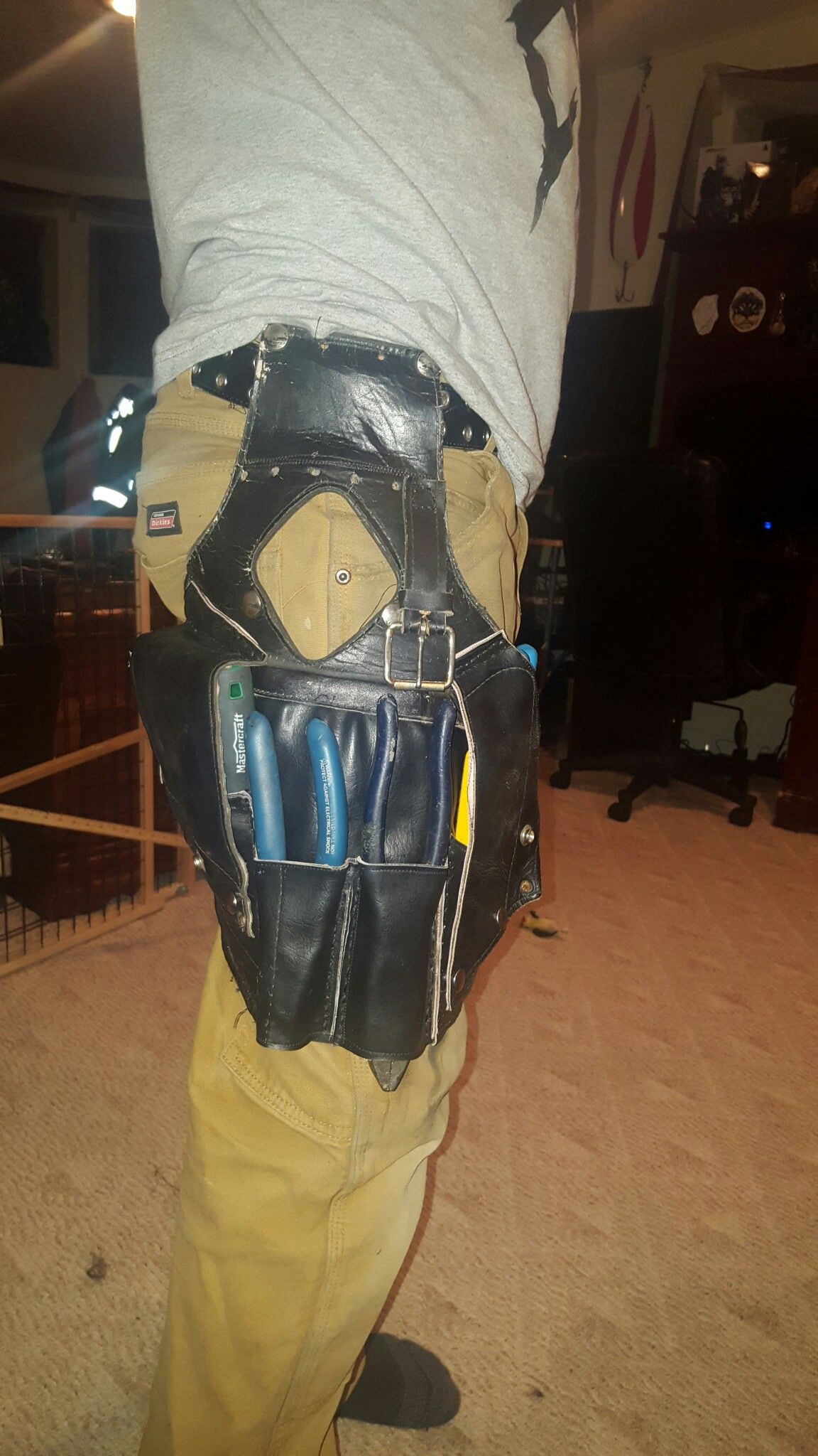 Repurposed Leather From Saddlebags To Make This Leg Starp Tool Pouch