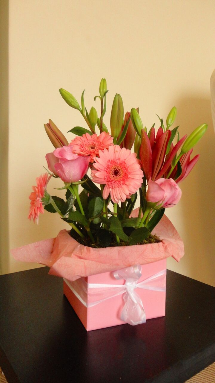 When your flowers need to make a statement we have the perfect looking for cheap flower delivery in melbourne shop for best selling flowers at affordable prices and get flower delivery at your doorstep in melbourne izmirmasajfo Gallery