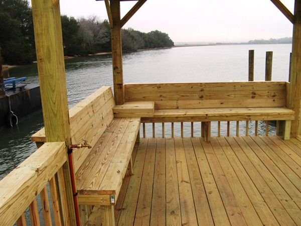 Dock with built-in benches & corner table  | Sit your butt