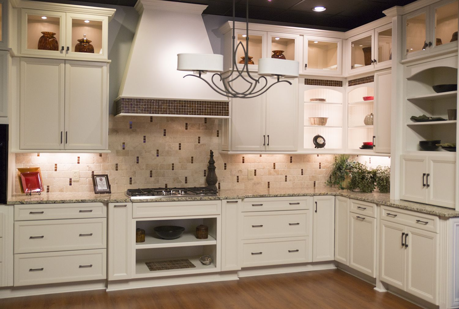 Marsh Furniture Gallery Kitchen Bath Remodel Custom Cabinets Countertops Melbourn In 2020 Cabinets And Countertops Solid Wood Kitchen Cabinets Custom Kitchen Cabinets