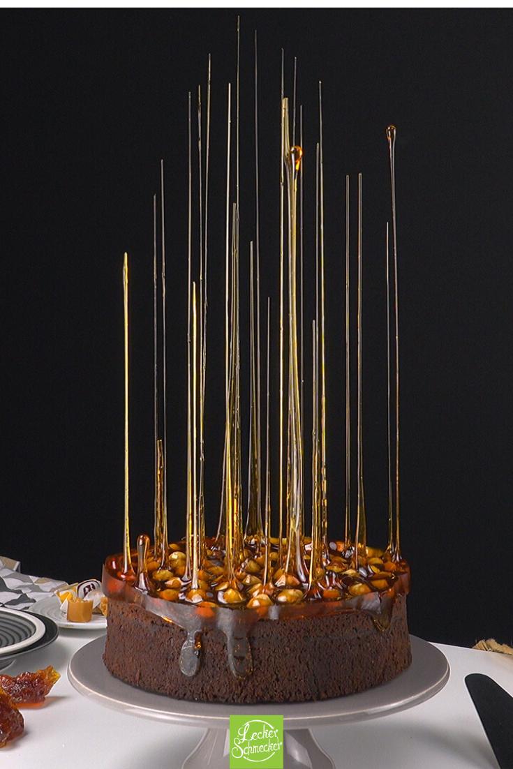 Karamell, Nüsse & Honig machen normalen Kuchen zum Hexenwerk.