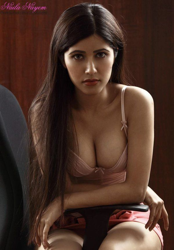 The Unseen Hot Sexy Indian Bangladesh Bd Model Actress Niala Nayem In Very Erotic Short Frock And Wind Can Blow That Easily If You Want He