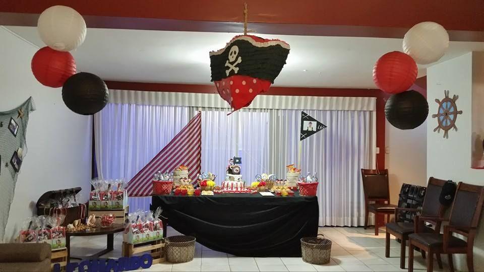mesa barco cofre con tesoros red de pescar y dems motivos para la fiesta
