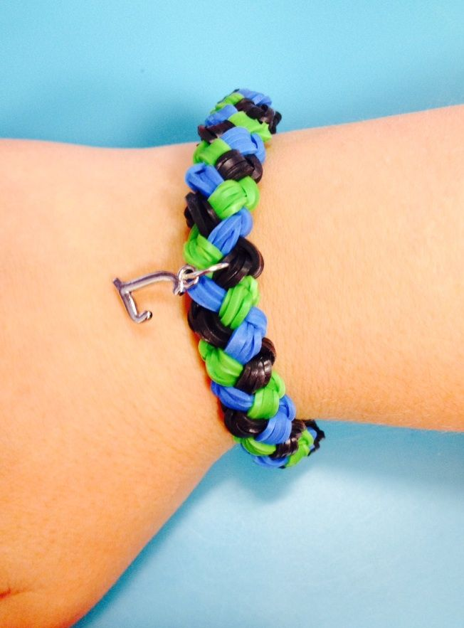 This Double Braided Rubber Band Bracelet Looks So Cute