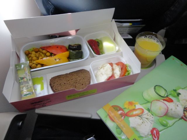 Who Says Vegetarian Options Have To Be Boring Airline Meals Food