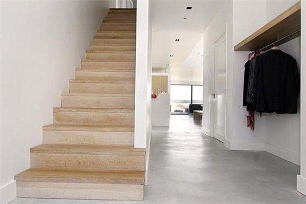 Houten trap met gietvloer trap pinterest entree traptreden en designinterieurs - Interieur houten trap ...