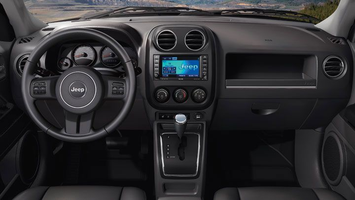 Patriot Latitude Interior Features Standard Audio And Speed