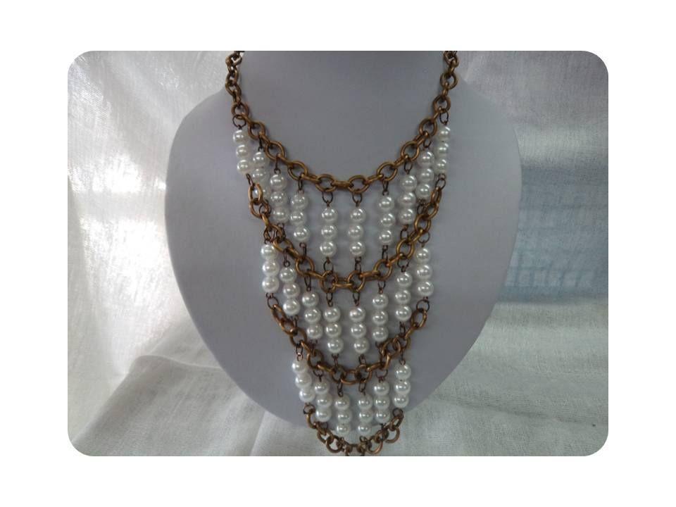 62931cb6cc3f Collar de perla blanca y cadena bronce Musas Bisutería