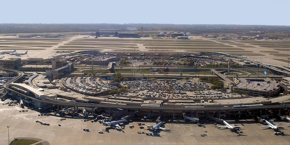 Dallas Ft. Worth Airport | Airport pictures, Dallas/fort worth international airport, American airlines