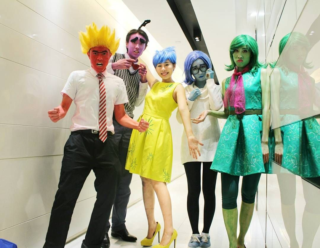 Creep It Real With These 60 Easy DIY Group Halloween