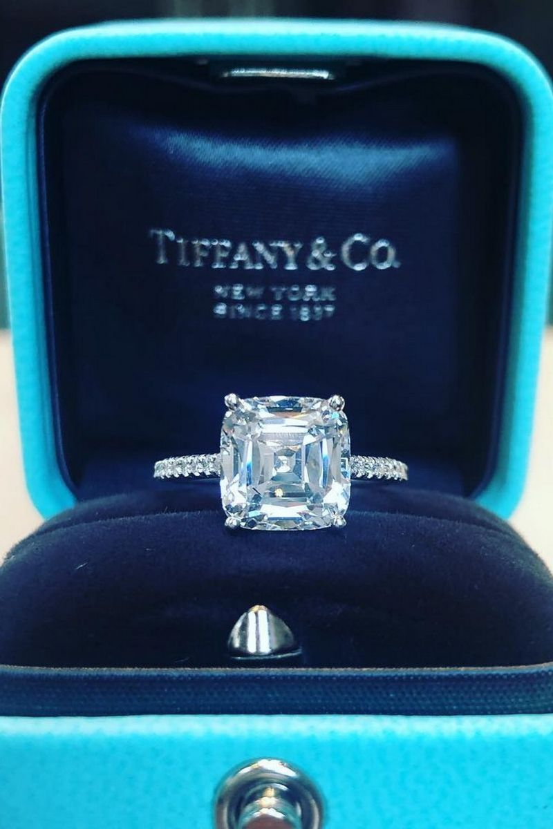 d96d614974afe Tiffany   Co. Look at this 4CT cushion modified brilliant cut in the Tiffany  Novo®️