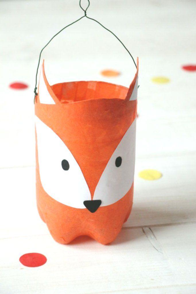 Upcycling-Idee: Fuchs-Laterne aus PET Flasche basteln  #onlineartschool #mastersinarteducation #arteducation #artteacherdegree #artschool #artofed #artinstitute #artuniversities #laternebasteln