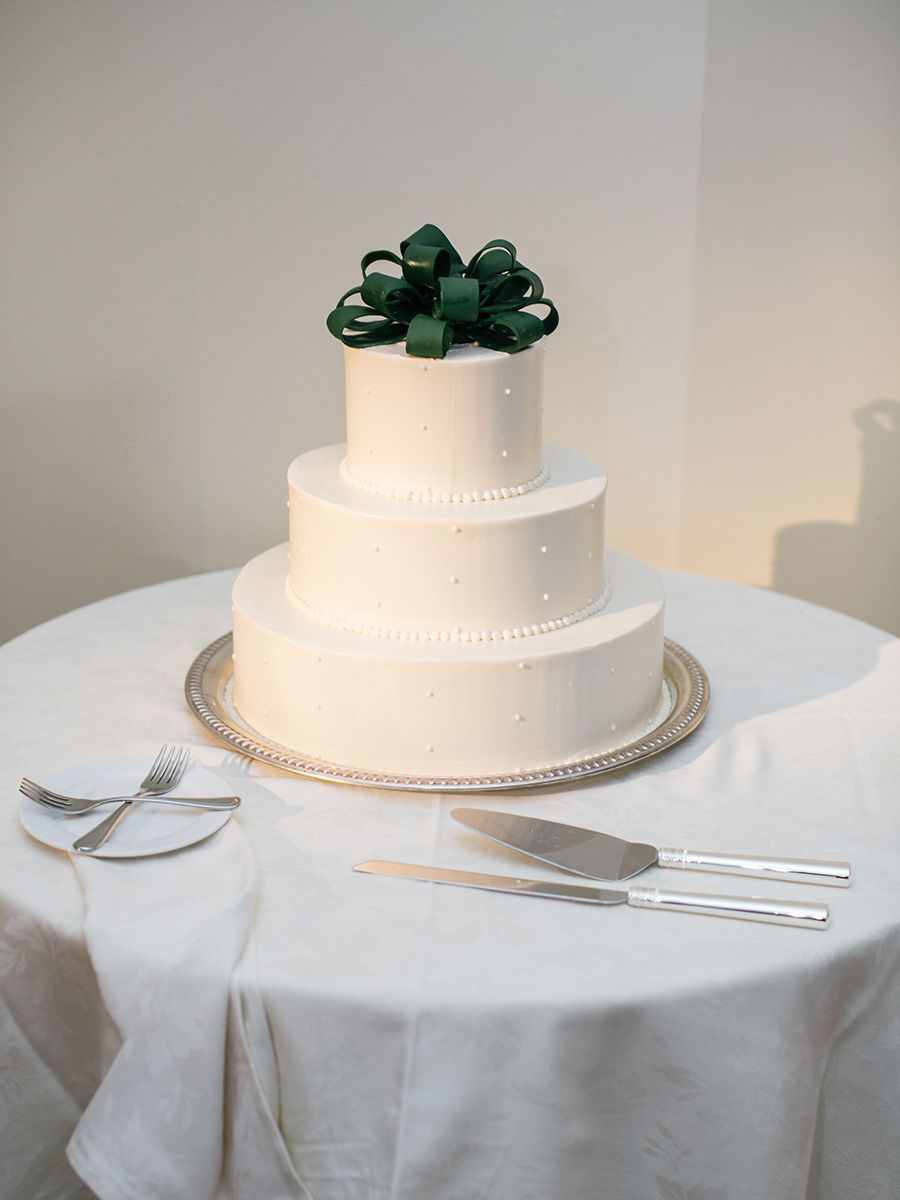 16 Romantic Ways to Decorate Your Winter Wedding   Pinterest   White ...