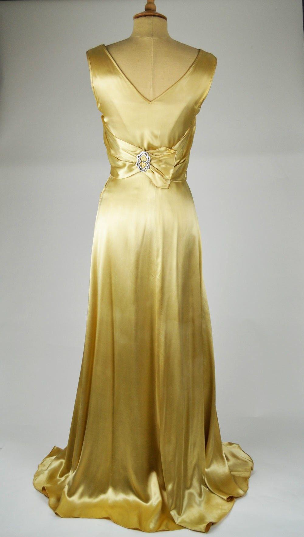 At Mela Vintage We Source Original Wedding Dresses To Our South West London Shop