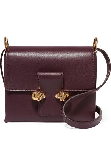 31169c6b1dd1 Grape leather (Calf) Snap-fastening front flap Comes with dust bag ...