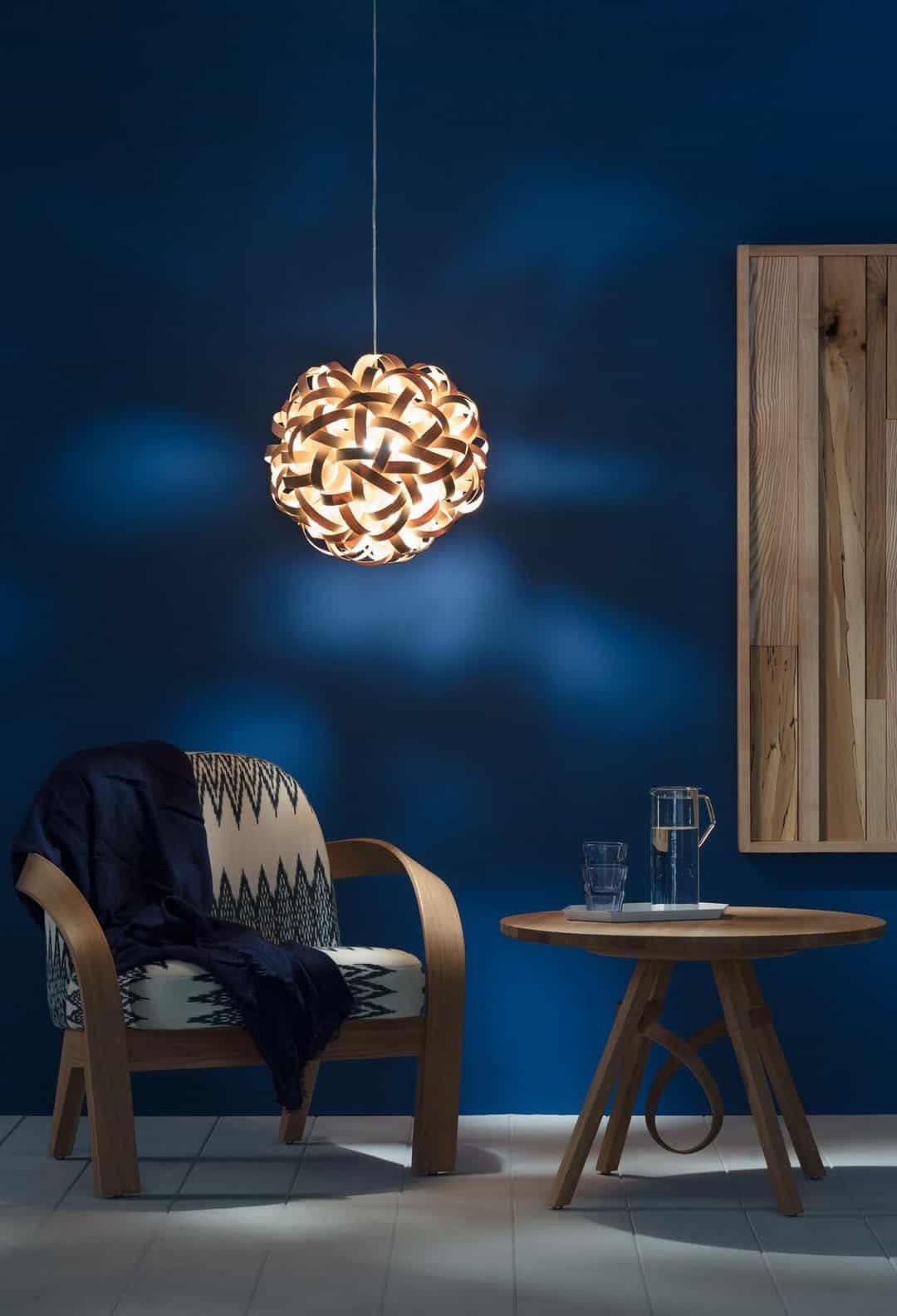 Love This No 1 Pendant Light In Natural Wood Against A Dark Blue Background By Tom Raffield Using Steam Bent Sustainable Timber To Create Award Winning Lightin