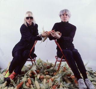 Marta Minujin con Andy Warhol