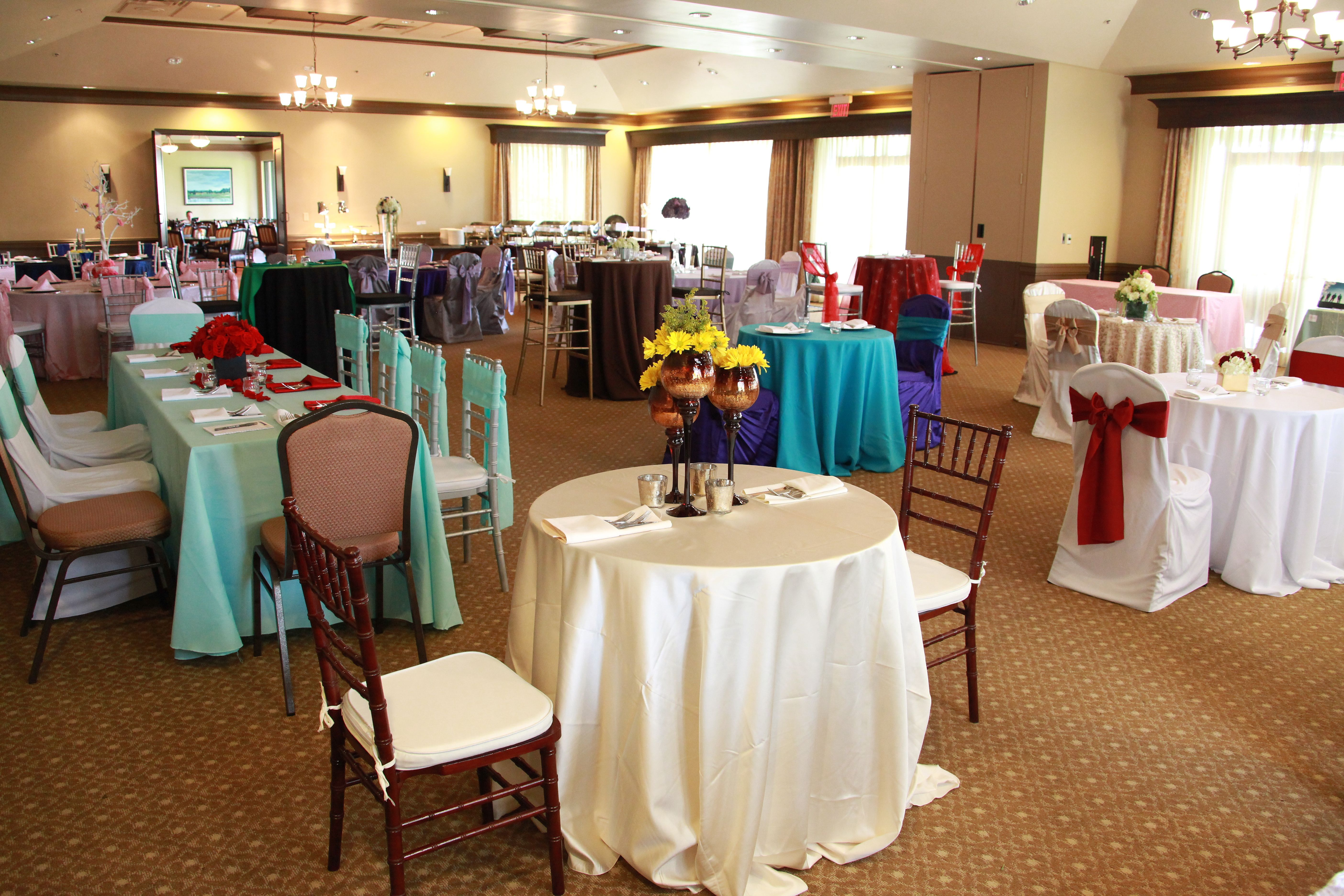Attend a group tasting to see design inspiration, try our food, and meet our favorite vendors! Call Falcon's Fire to reserve your spot at the next tasting! Falcon's Fire Golf Club 407-390-0982