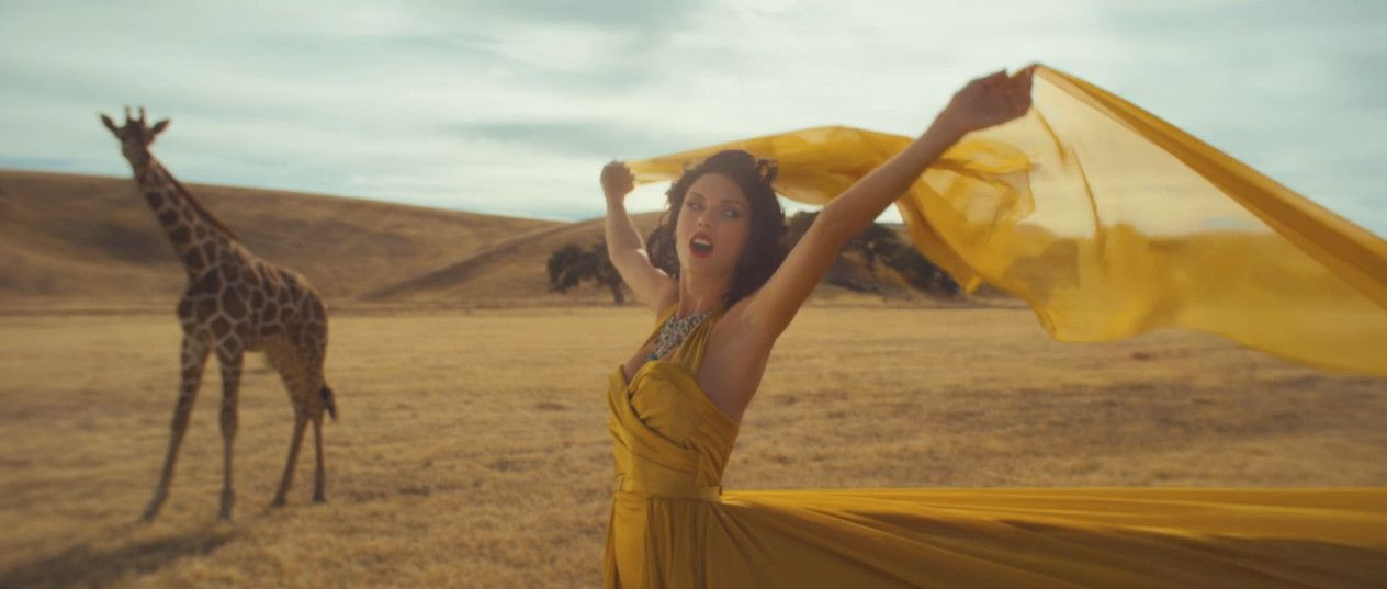 That makeup, that hair <3 Taylor Swift  Wildest Dreams