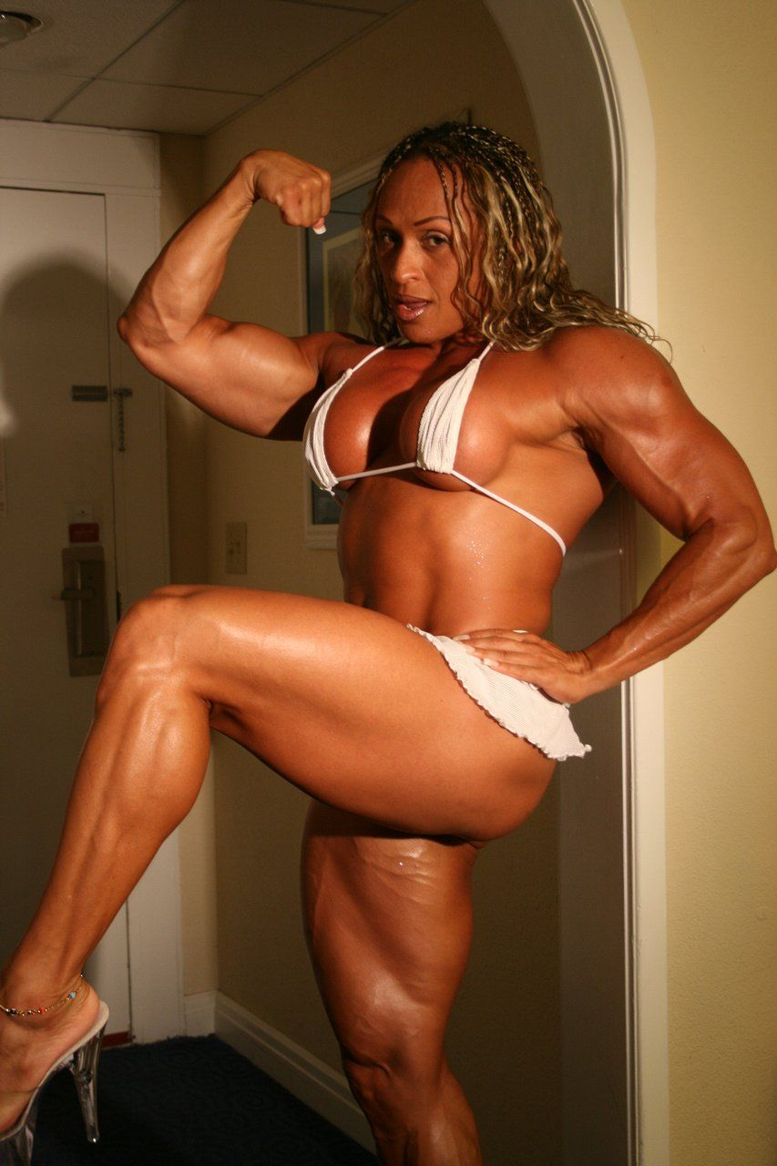 Muscle woman sex tube — photo 11