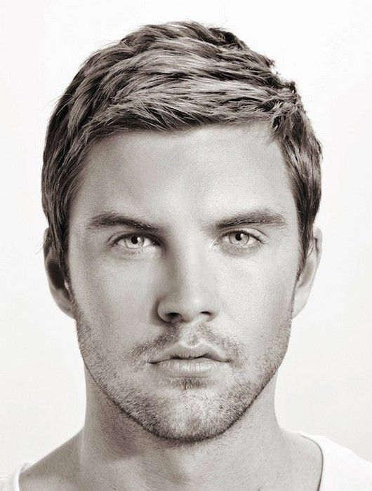 Hairstyles For Men With Thick Hair And Oval Faces Latest Oval Face Men Oval Face Hairstyles Oval Face Haircuts