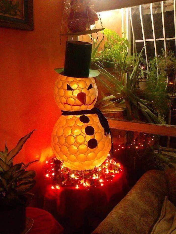 22 adornos navideños reciclando o reusando desechos Vasos de