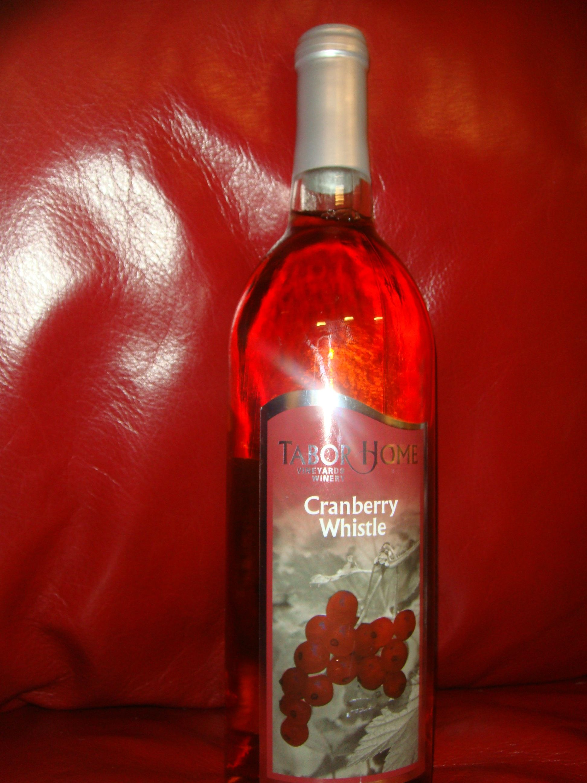 Cranberry Whistle By Tabor Home Vineyards Winery In Bladwin Ia Rose Wine Bottle Distillery Wine Bottle