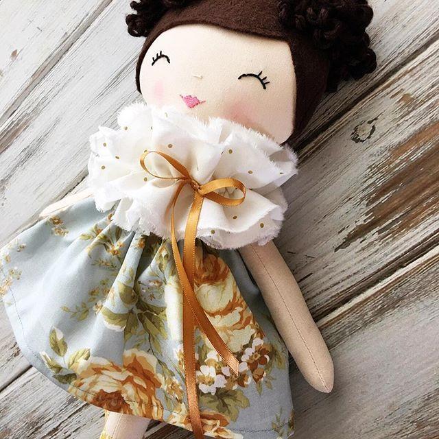 This custom beauty has been such a pleasure to create. Off to Australia she goes! ⭐️ #spuncandydolls #clothdoll #handmadedoll #nurserydecor #summerinthemeadow