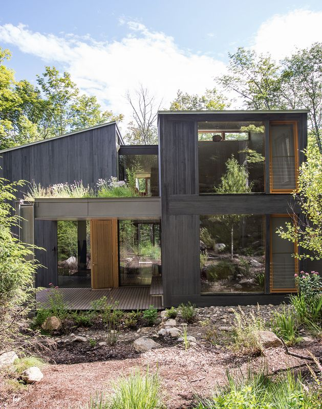 It took a whole family to build this house vacation for Modern house upstate ny