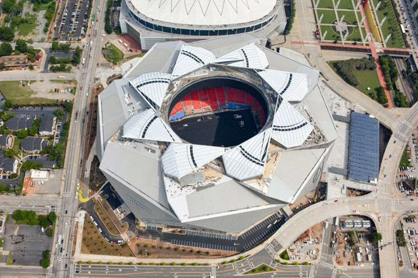 Watch Atlanta S Soon To Be Open Mercedes Benz Stadium Roof Close In This Time Lapse Architecture Landmark Stadium Mercedes Benz