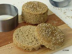 Deze glutenvrije hamburgerbroodjes zijn erg lekker en bovendien glutenvrij. Ze worden gemaakt van Teffmeel en smaken bijna hetzelfde als tarwebrood.