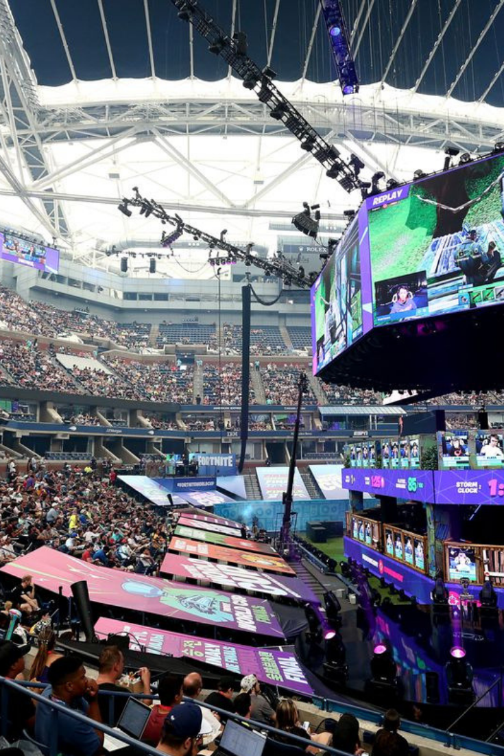 Bugha Wins 3m Solos Prize In Fortnite World Cup 2019 In 2020 Fortnite Online Comic Books World Cup