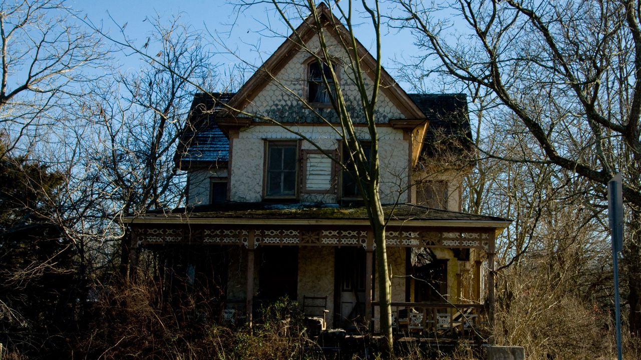Nanny needed for haunted house, job pays 64,000 Creepy