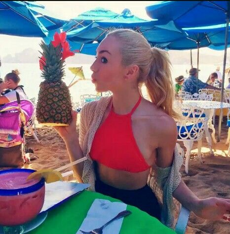 Loveable Peyton List at the beach. She looks ever so cool. Sal P.