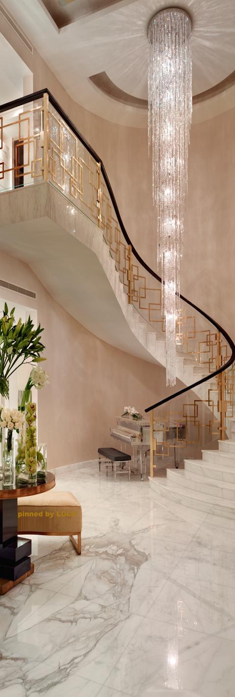 escalier et lustre magistraux espaces pinterest lustre escaliers et luminaires. Black Bedroom Furniture Sets. Home Design Ideas