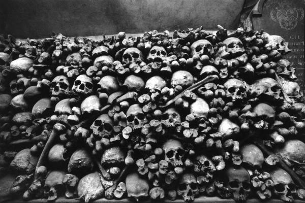 Ossuaire de la Chapelle des Brotteaux, fonds Lyon Figaro #Lyon
