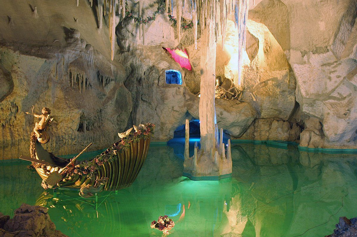 Part Of The Venus Grotto At Linderhof Palace Constructed During The Reign Of Mad King Ludwig Of Bavaria Victo Places Of Interest Places To See Fantasy Places