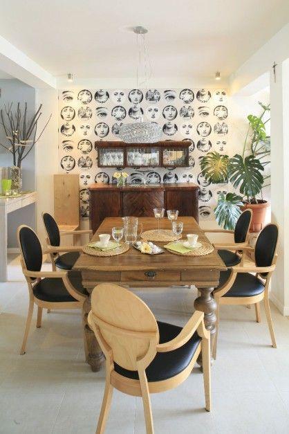 Jadalnia Eklektycznie Fornasetti Współczesne Krzesła