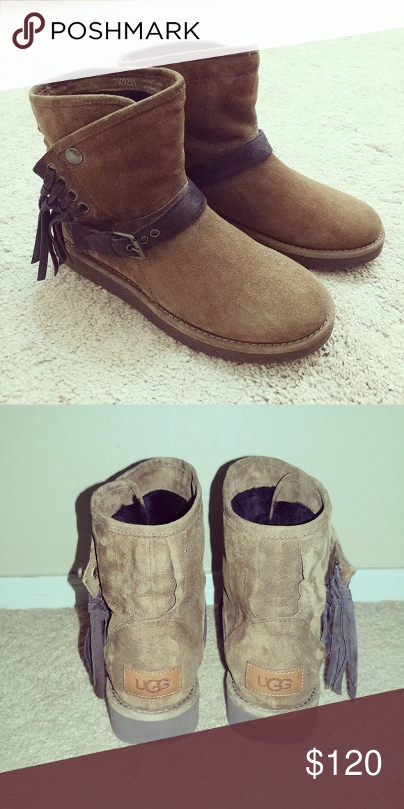 919a9154a7c SZ 8 UGG Karisa Ankle Boot Only worn a few times. These are made in ...