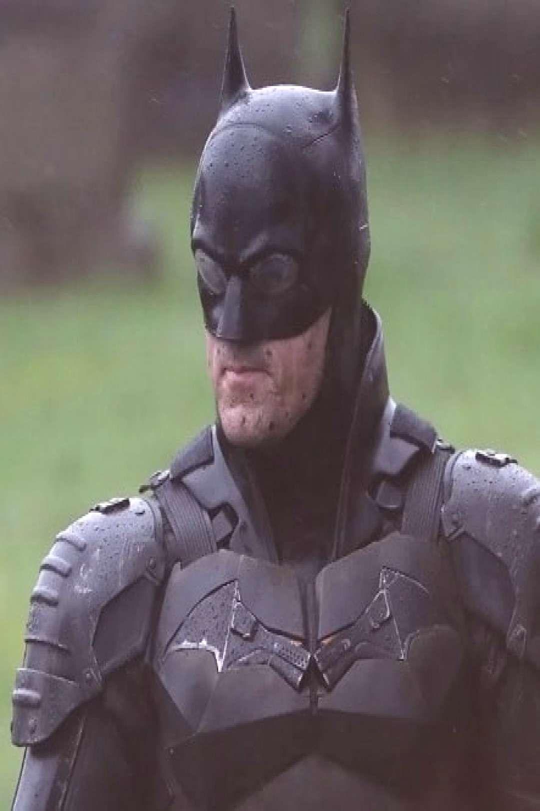 New Batman set photos released... . . . . . . . #dccomics #batman