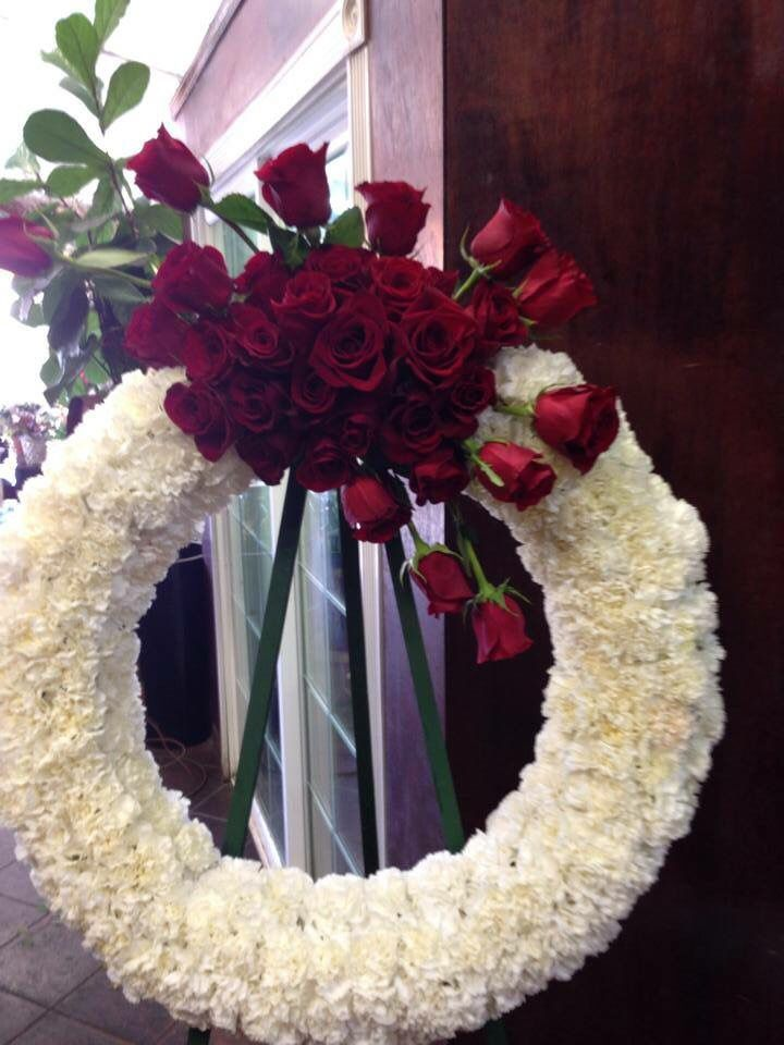 Wreath White Carnations And Cluster Of Red Roses Funeral Flowers Memorial Flowers Wreaths